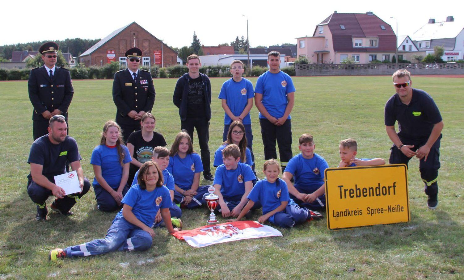 Gruppenbild der Jugendfeuerwehr Trebendorf Sieger der CTIF 2020